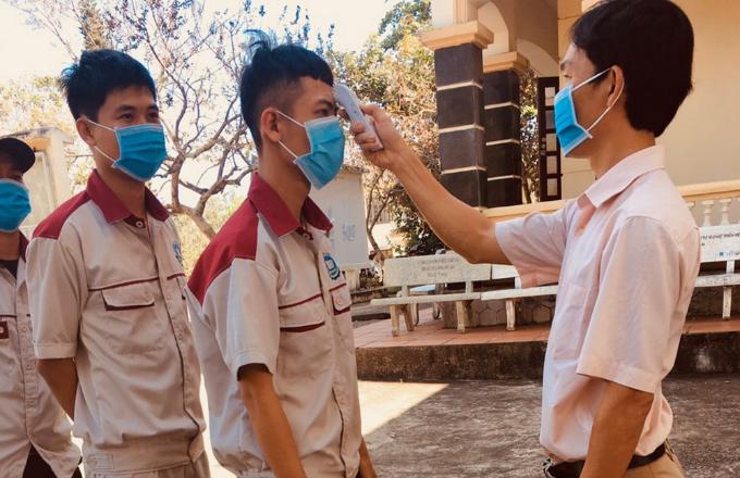 Tăng cường phòng chống dịch covid-19 khi học sinh-sinh viên đi học trở lại